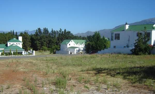 688 m² residential vacant land for sale in Theewaterskloof