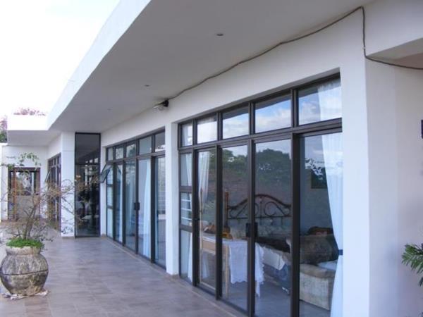 5 bedroom house for sale in Trafalgar