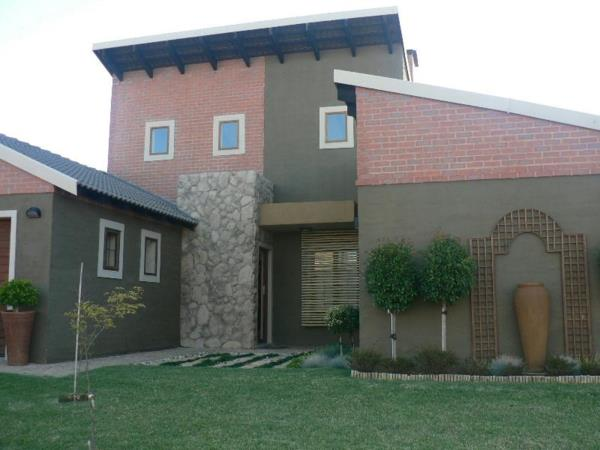 3 bedroom security estate home for sale in Waterval East