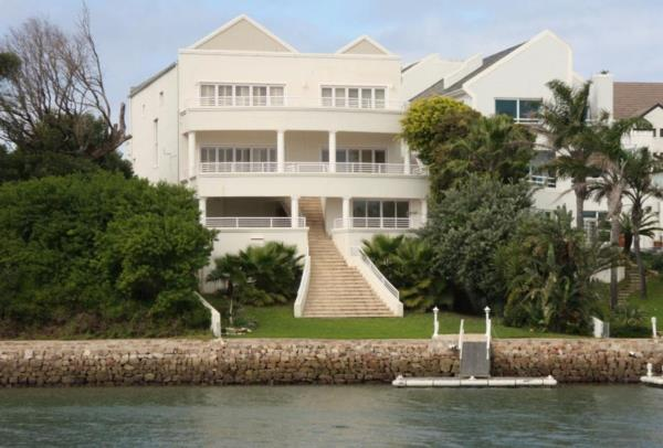 4 bedroom house for sale in Royal Alfred Marina
