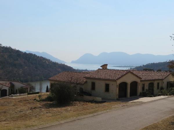 731 m² vacant land for sale in Estate D Afrique