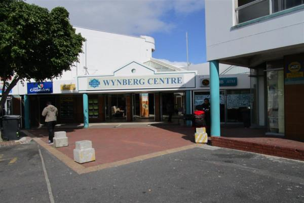 2500 m² commercial retail property to rent in Wynberg (Cape Town)