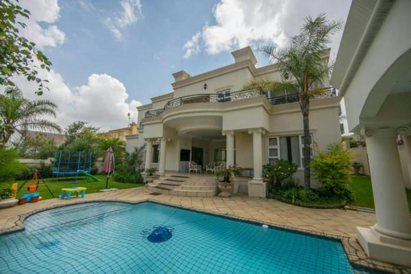 4 bedroom house to rent in Dainfern Golf Estate