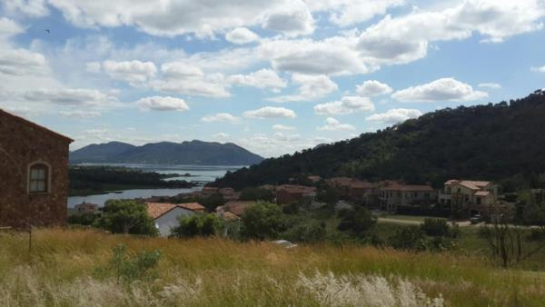 617 m² residential vacant land for sale in Estate D Afrique