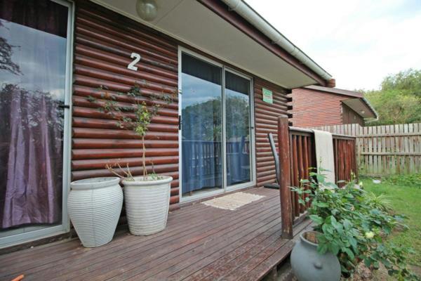 2 bedroom house for sale in Bathurst