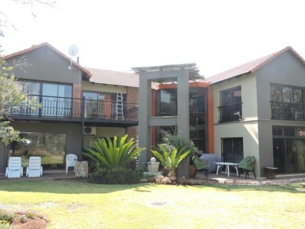 3 bedroom security estate home for sale in Buffelspoort