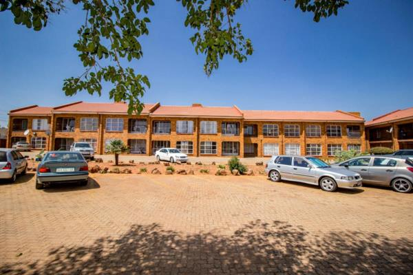 3375 m² block of flats for sale in Lenasia South