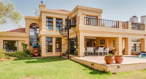 5 bedroom security estate home for sale in Westlake (Hartbeespoort)