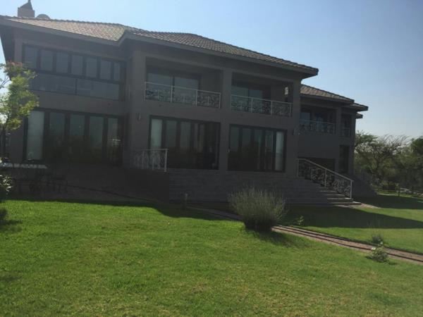 5 bedroom house for sale in Sable Hills Waterfront Estate