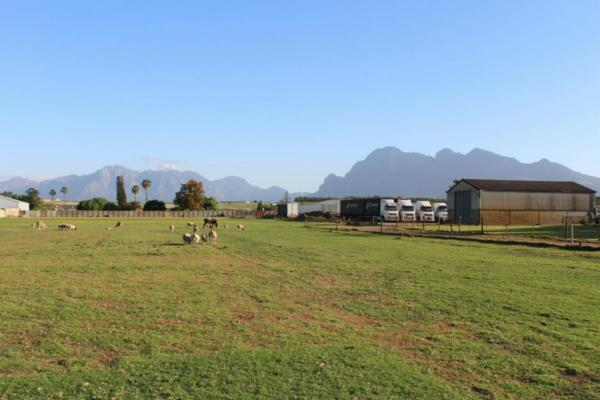 22405 m² commercial industrial property for sale in Paarl North