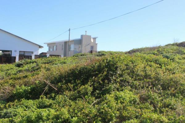 1012 m² vacant land for sale in Cape St Francis