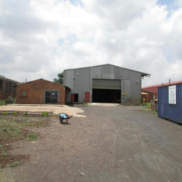 1736 m² commercial industrial property for sale in Vaalbank (Middelburg)