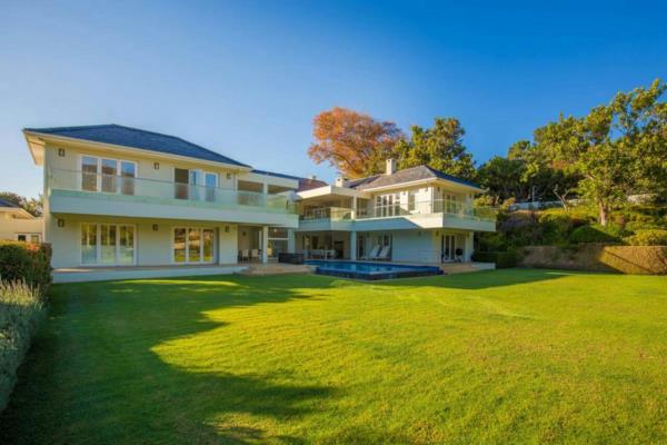 7 bedroom house to rent in Bishopscourt