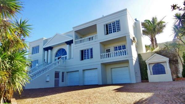 4 bedroom house for sale in Outeniqua Strand