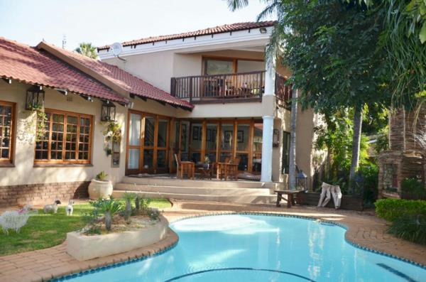 6 bedroom house for sale in Safari Gardens