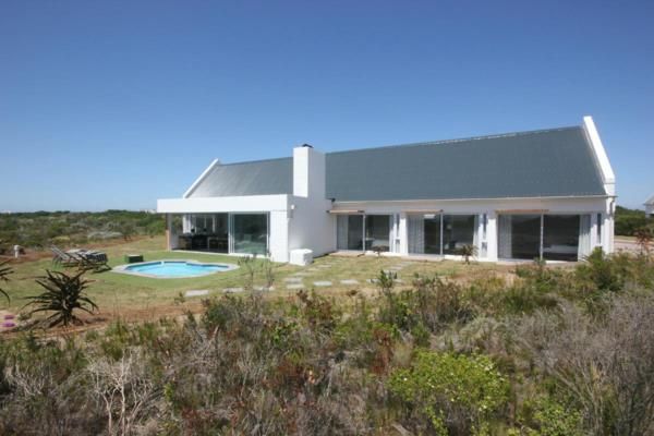4 bedroom house for sale in St Francis Links