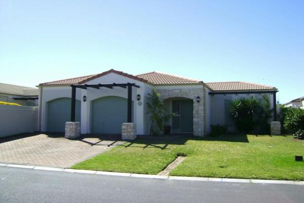 3 bedroom security estate home to rent in Century City