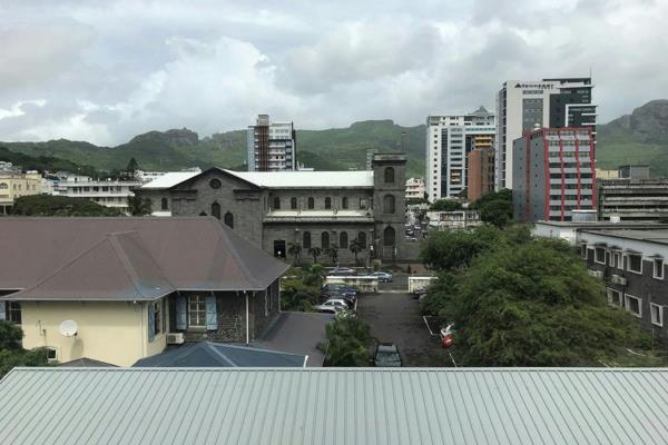 351 m² commercial office to rent in Port Louis (Port Louis, Mauritius)