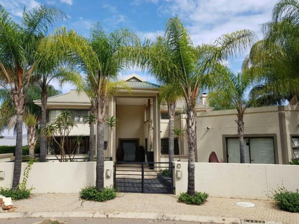 4 bedroom security estate home for sale in Caribbean Beach
