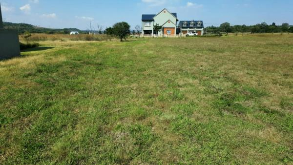1000 m² residential vacant land for sale in Waterlake Farm