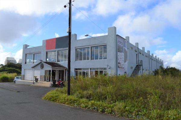2043 m² commercial industrial property for sale in Phoenix (Mauritius)