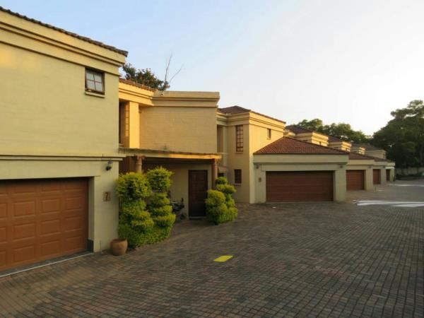 3 bedroom townhouse for sale in White River