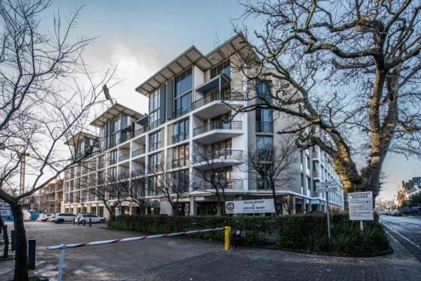 3 bedroom apartment for sale in Claremont Upper