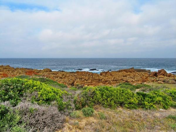 735 m² residential vacant land for sale in Pinnacle Point Golf Estate