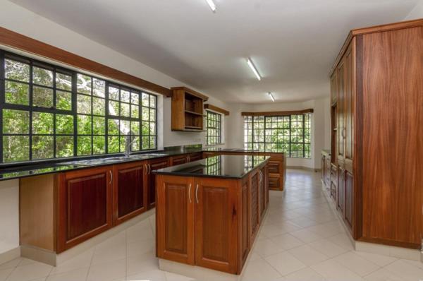 6 bedroom house for sale in Karen (Kenya)