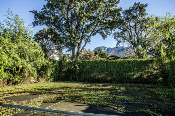 845 m² residential vacant land for sale in Claremont Upper