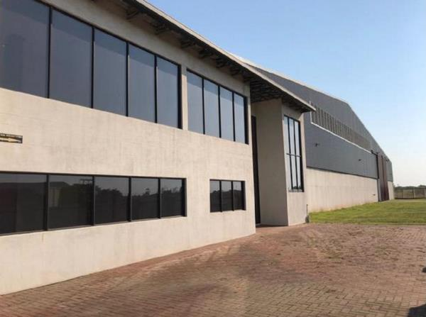 8000 m² commercial industrial property for sale in Alton