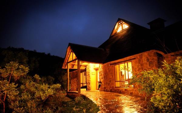 4-star 12 guest room function venue for sale in Bronkhorstbaai