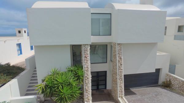 4 bedroom house for sale in Paradise Beach (Langebaan)