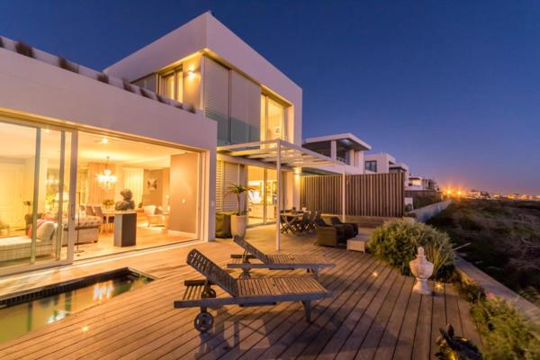 4 bedroom house for sale in Big Bay