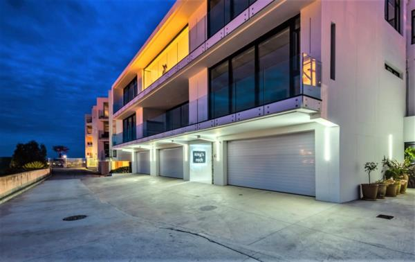 4 bedroom apartment for sale in Summerstrand