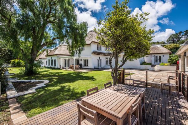 4 bedroom house to rent in Constantia Upper