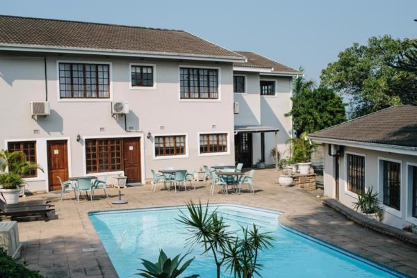 11 bedroom house for sale in Athlone Park