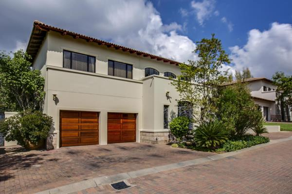 7 bedroom cluster house for sale in Bryanston