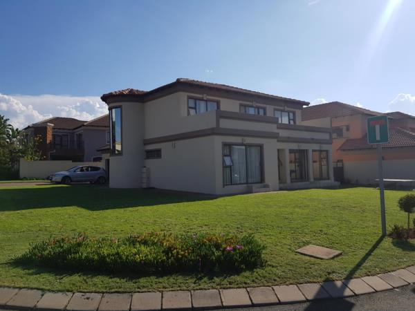 4 bedroom house to rent in Blue Valley Golf Estate