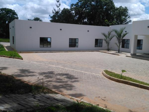 400 m² commercial office to rent in Roma (Zambia)
