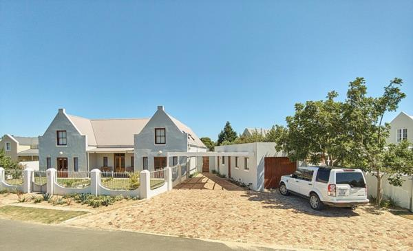 5 bedroom house for sale in Stanford