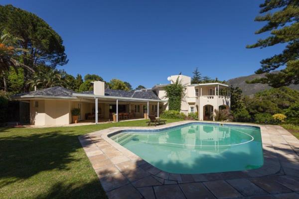 5 bedroom house to rent in Bishopscourt