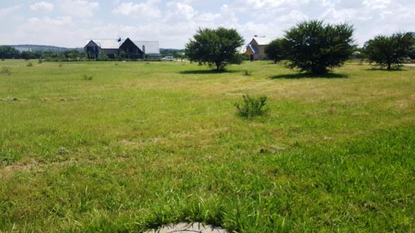 995 m² residential vacant land for sale in Waterlake Farm