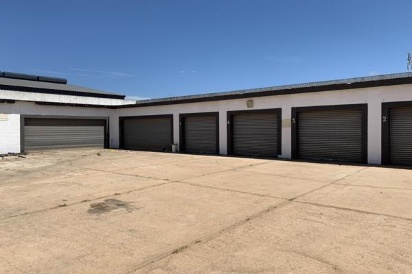 1140 m² commercial office for sale in St Francis Bay Industrial