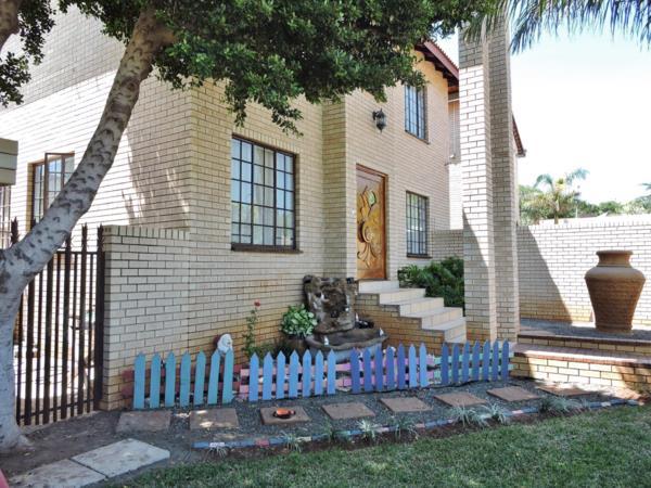 5 bedroom house for sale in Safari Gardens