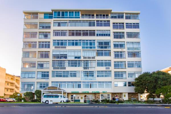 2 bedroom apartment to rent in Mouille Point