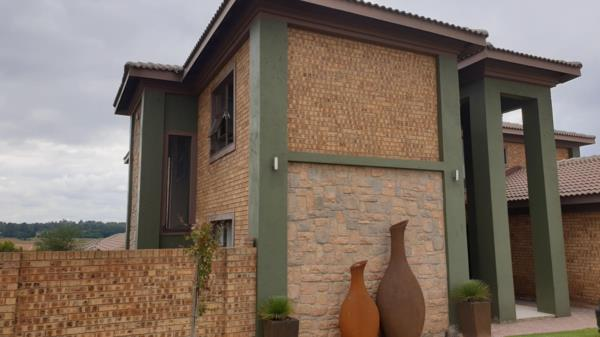 4 bedroom security estate home for sale in Clubville