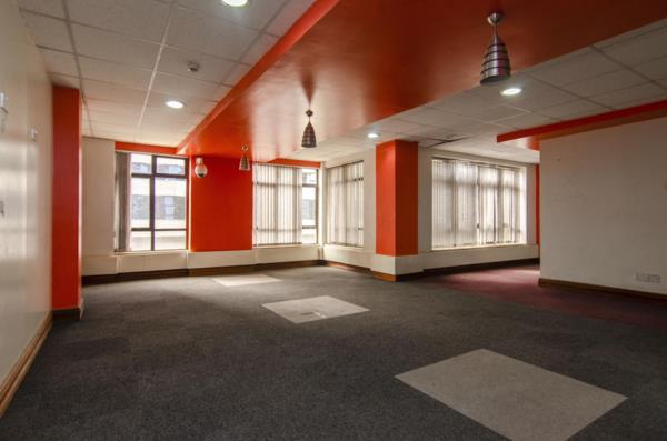 929 m² commercial office to rent in Upper Hill (Kenya)