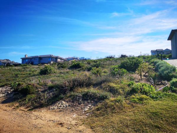 980 m² residential vacant land for sale in Village on Sea