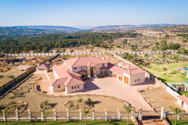 5 bedroom house for sale in Mooikloof Heights